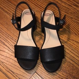 Black snake texture block heels